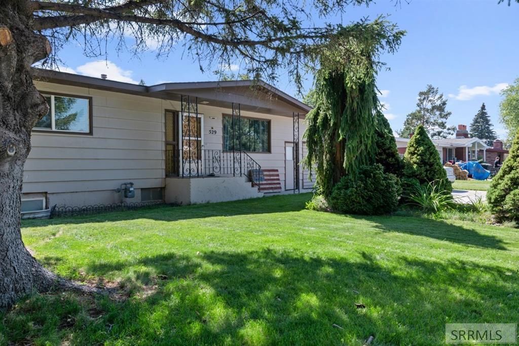 529 Park Street Property Photo
