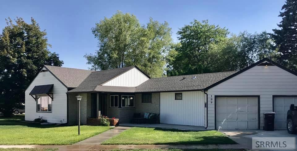 109 W Elmore Avenue Property Photo - ABERDEEN, ID real estate listing