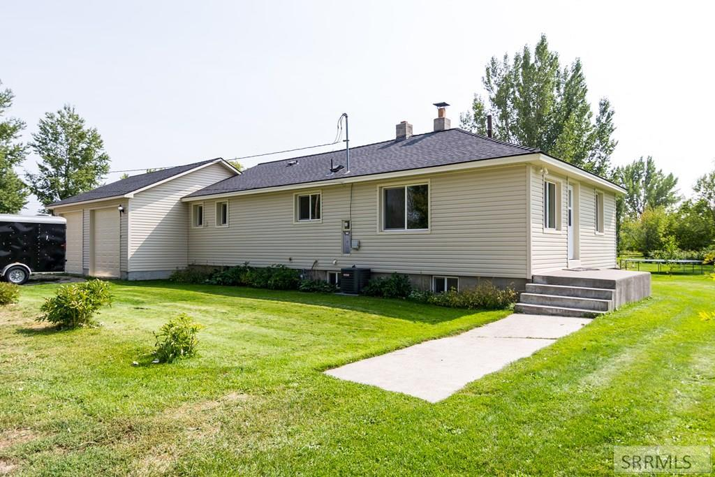651 E 825 N Property Photo - BASALT, ID real estate listing