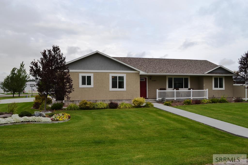 3295 E Edwards Drive Property Photo