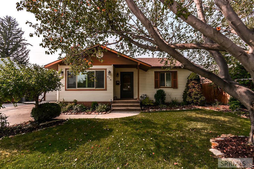 470 Holbrook Drive Property Photo