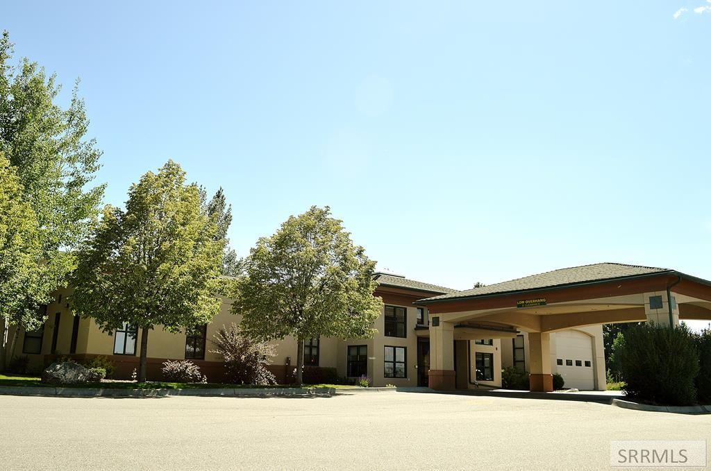 2060 Woodruff Avenue Property Photo