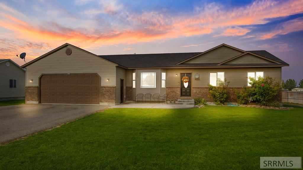 Fairview 93el Real Estate Listings Main Image