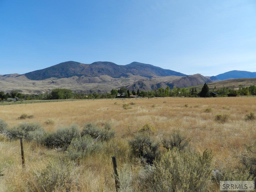 999 Perreau Creek Road Property Photo