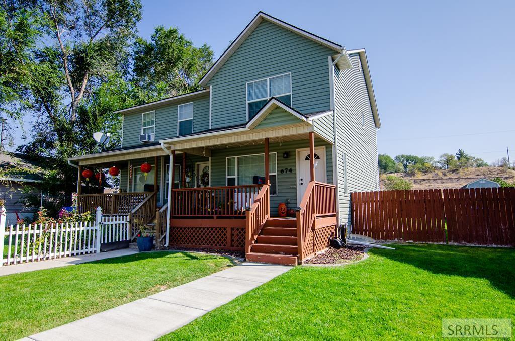 674 Randolph Avenue Property Photo