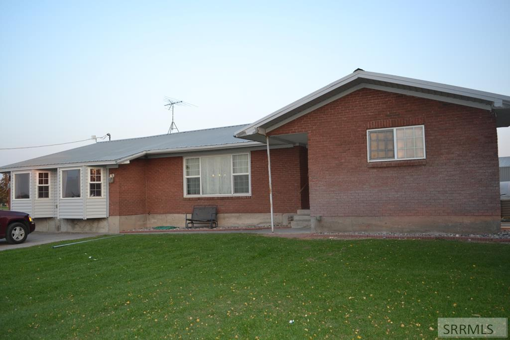 1042 E 900 N Property Photo - SHELLEY, ID real estate listing
