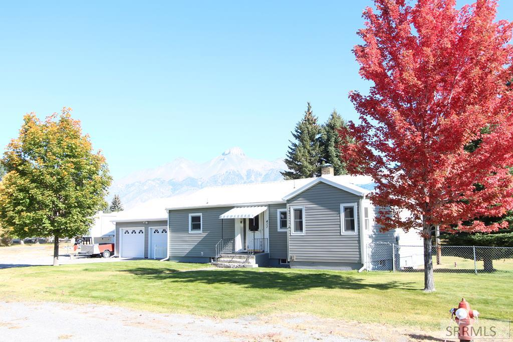 411 Spruce Avenue Property Photo - MACKAY, ID real estate listing