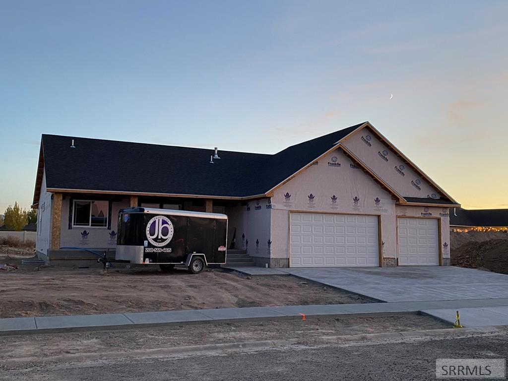 4932 Luxor Drive Property Photo - AMMON, ID real estate listing