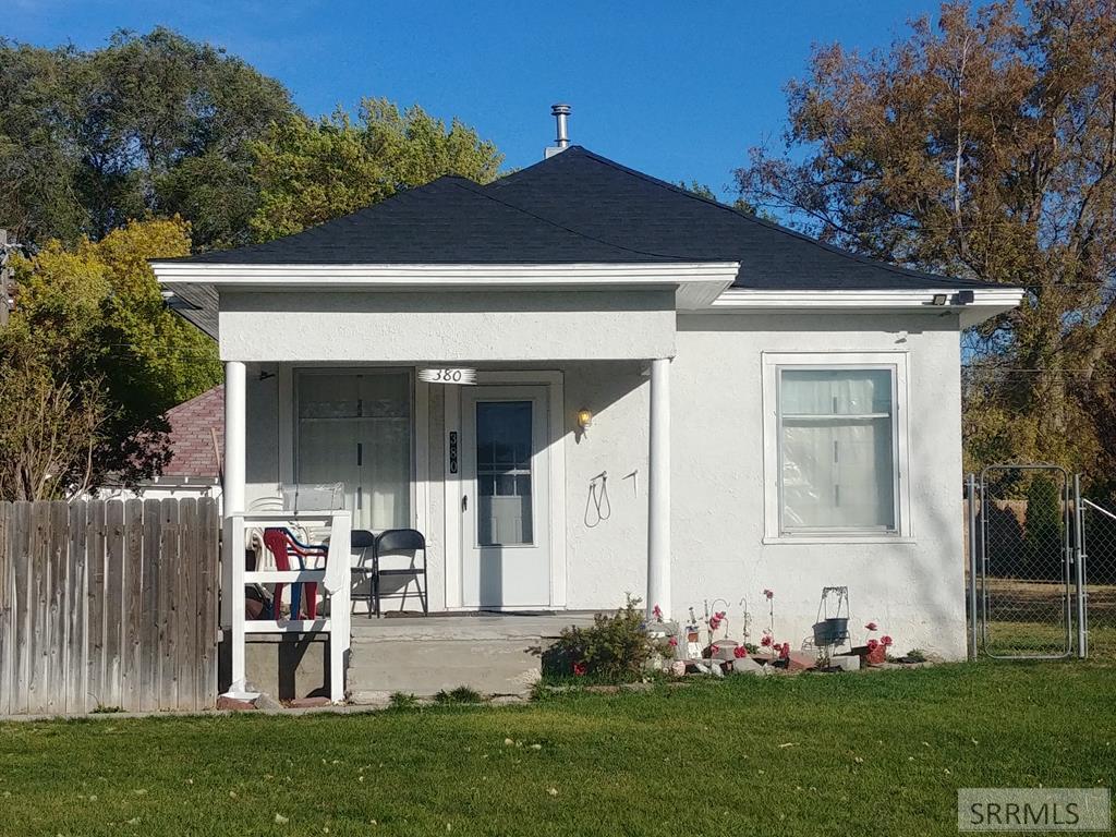 380 Mckinley Avenue Property Photo