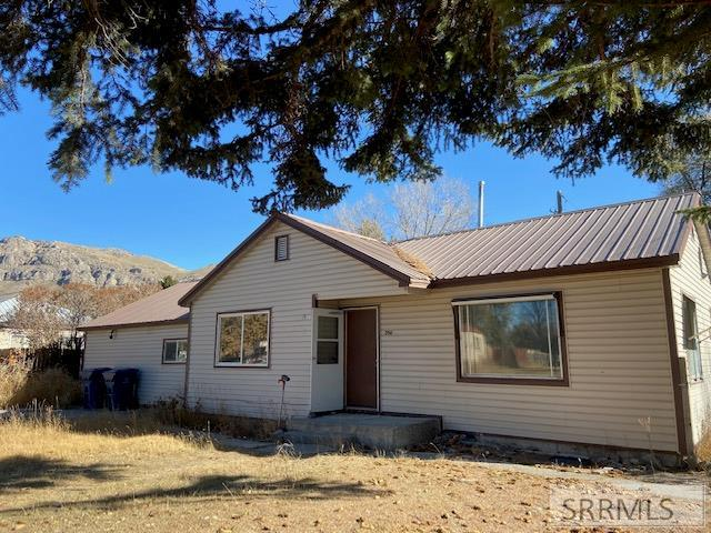 350 Claude Place Property Photo - ARCO, ID real estate listing