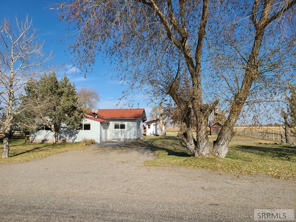 4551 E 75 N Property Photo