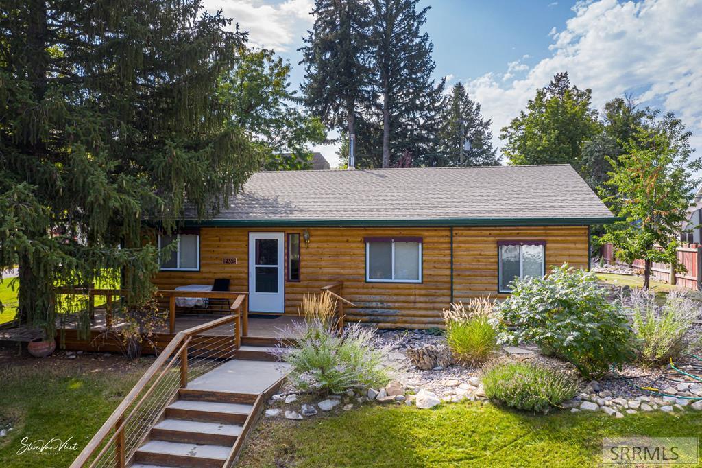 235 W Elm Avenue Property Photo - LAVA HOT SPRINGS, ID real estate listing