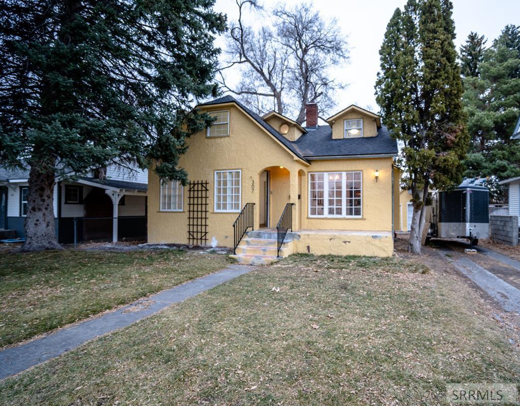 307 4th Street Property Photo