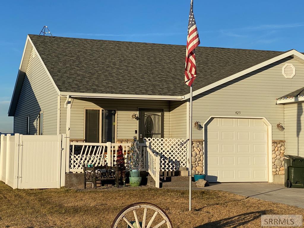425 Neff Circle Property Photo