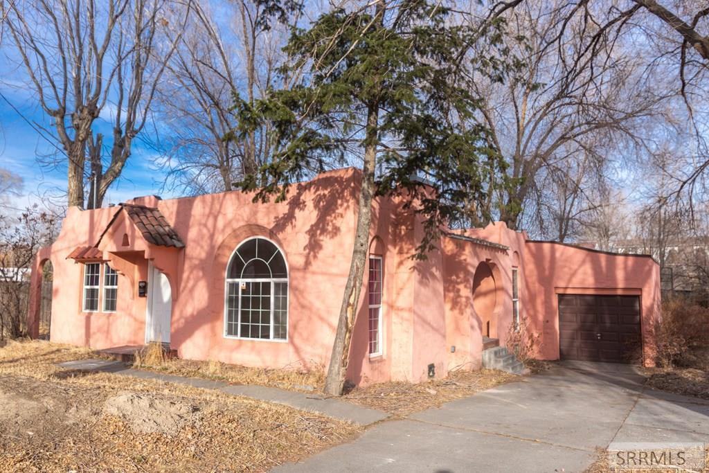 406 Riverside Drive Property Photo