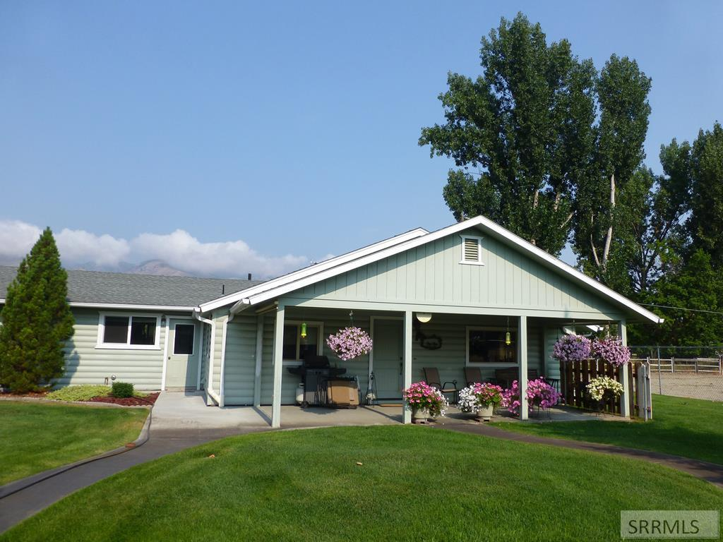 211 Dahle Avenue Property Photo - SALMON, ID real estate listing