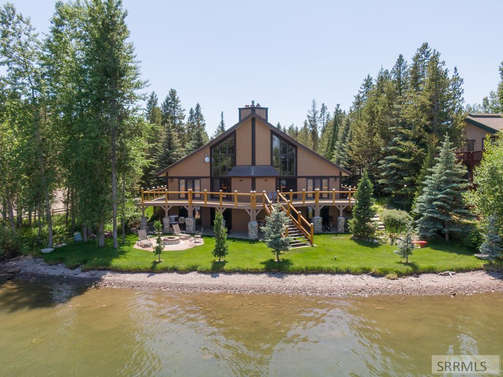 3810 Shoreline Drive Property Photo