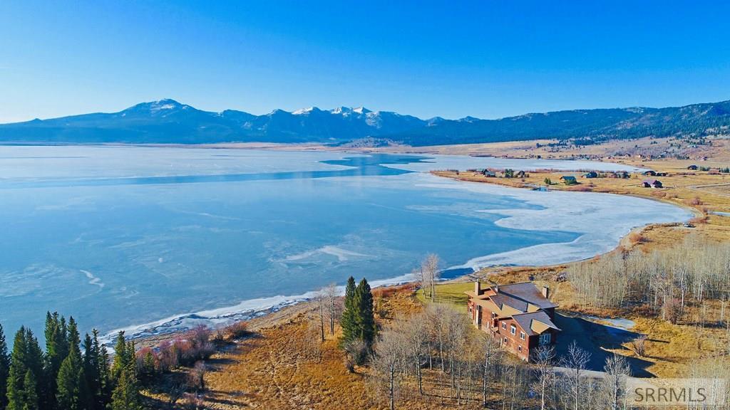 5470 Henrys Lake Road Property Photo 1
