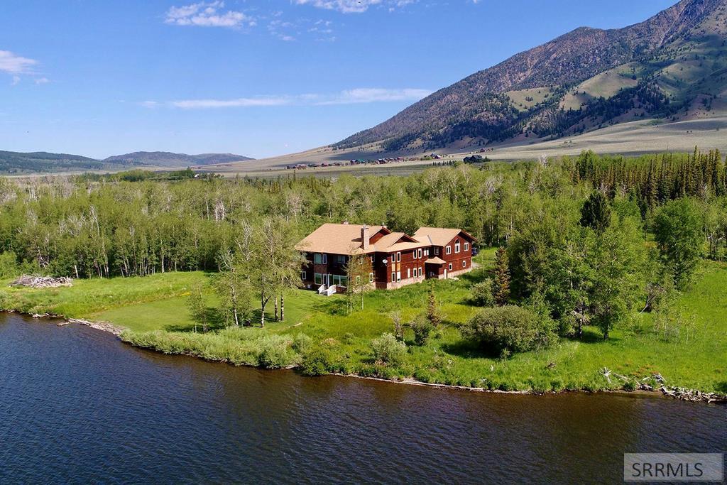 5470 Henrys Lake Road Property Photo