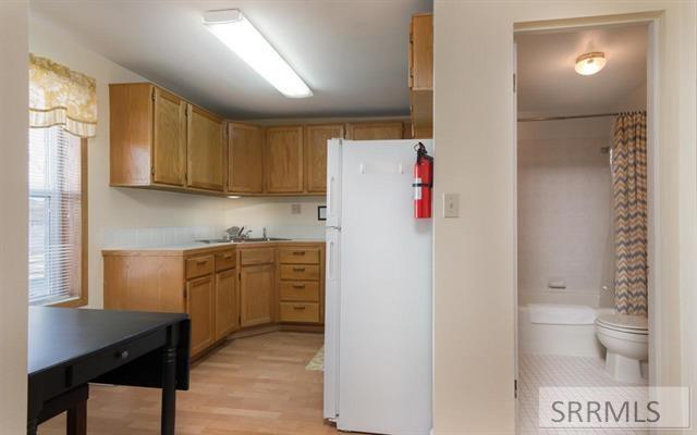 63 S 1st E Property Photo 8