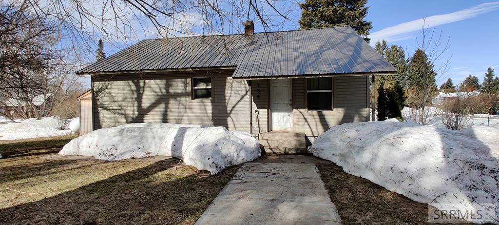 184 N 10th Street Property Photo 1