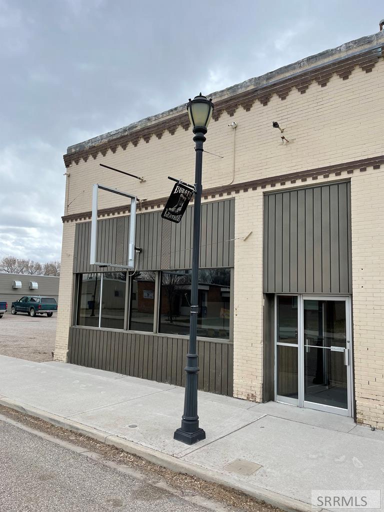 83 Main Street Property Photo