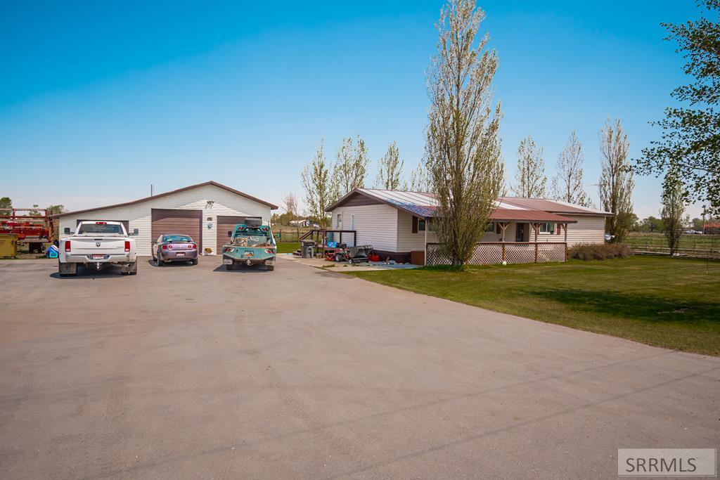 2589 E 500 N Property Photo 1