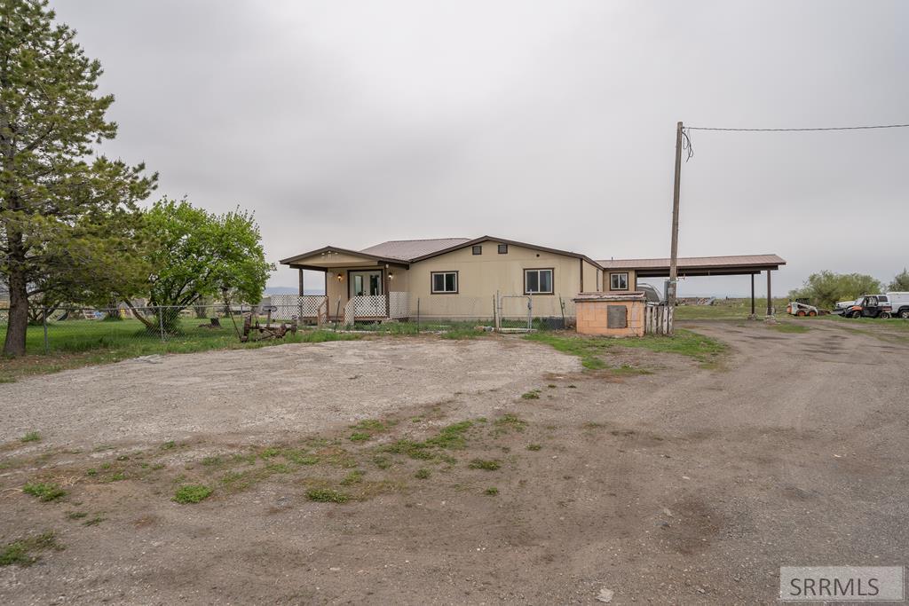 2862 E 700 N Property Photo 1
