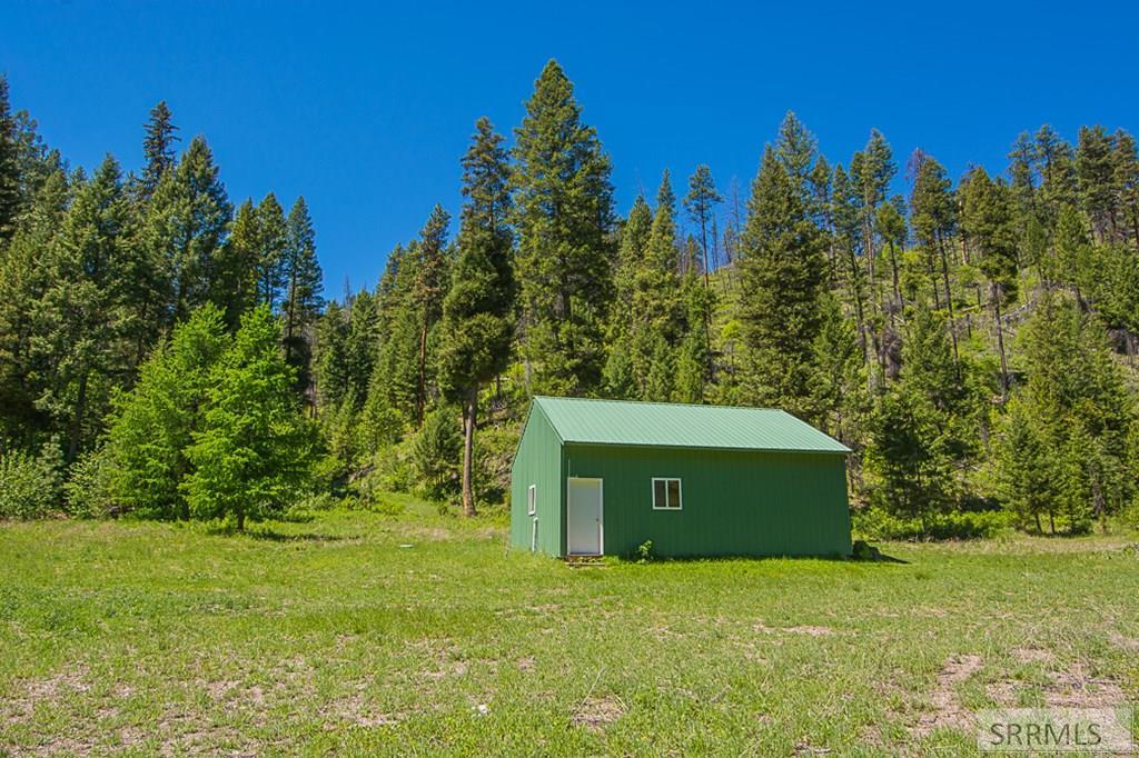 402 Hughes Creek Road Property Photo 4