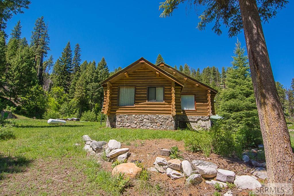 402 Hughes Creek Road Property Photo 6