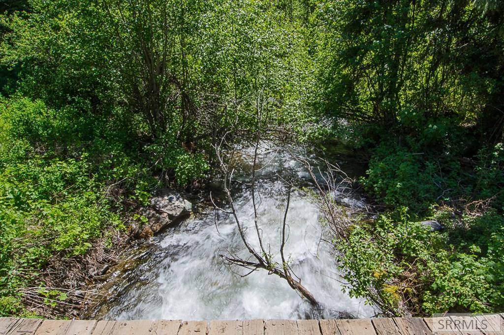 402 Hughes Creek Road Property Photo 13