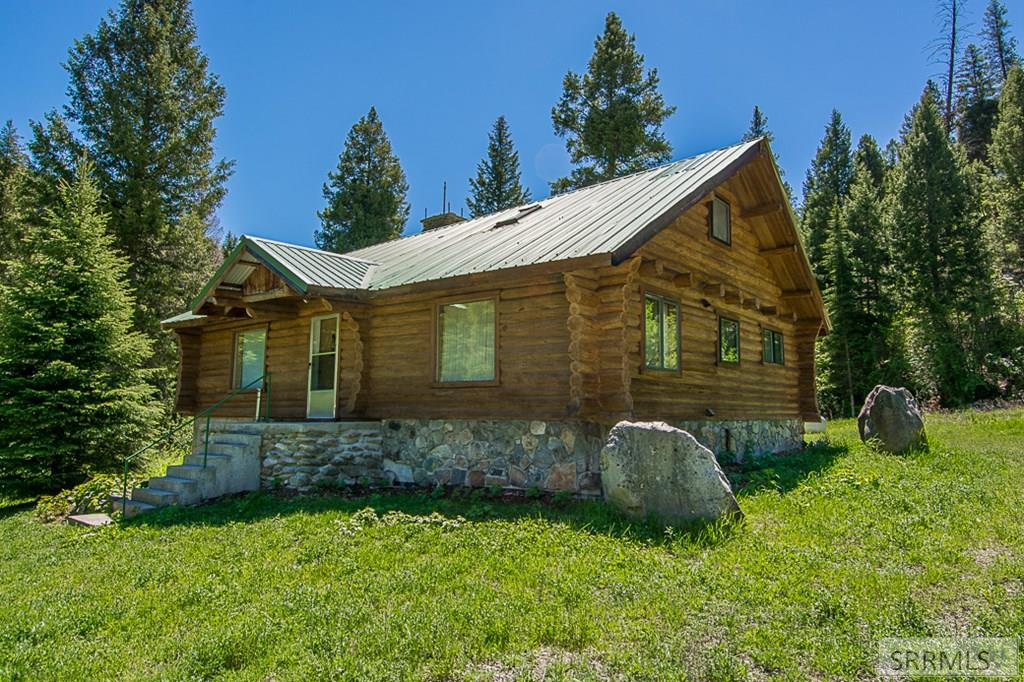 402 Hughes Creek Road Property Photo 14