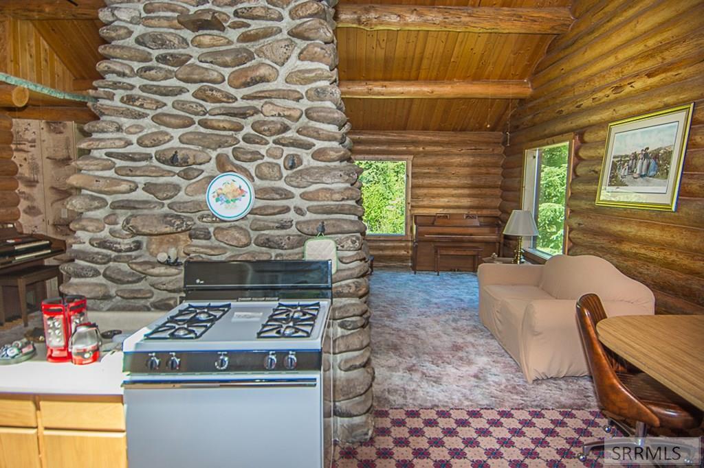 402 Hughes Creek Road Property Photo 21
