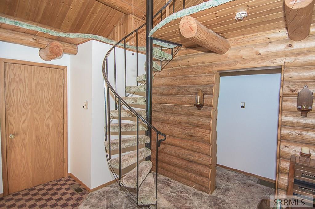 402 Hughes Creek Road Property Photo 32