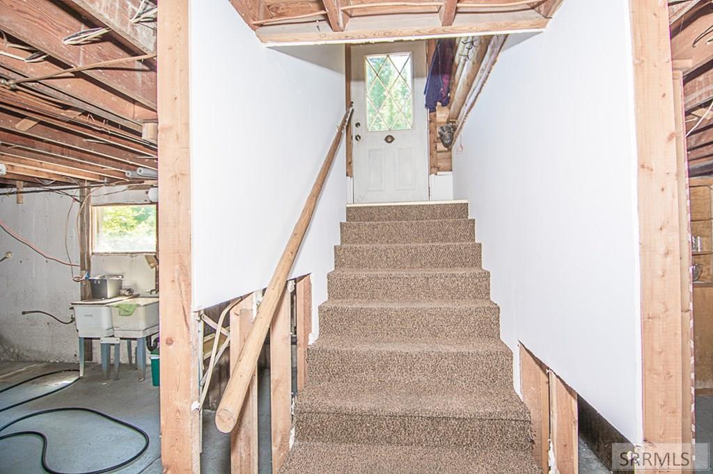 402 Hughes Creek Road Property Photo 41