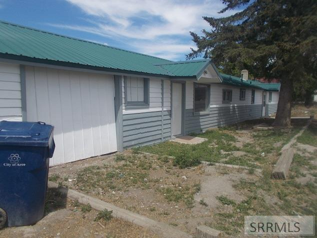 694 W Grand Avenue Property Photo