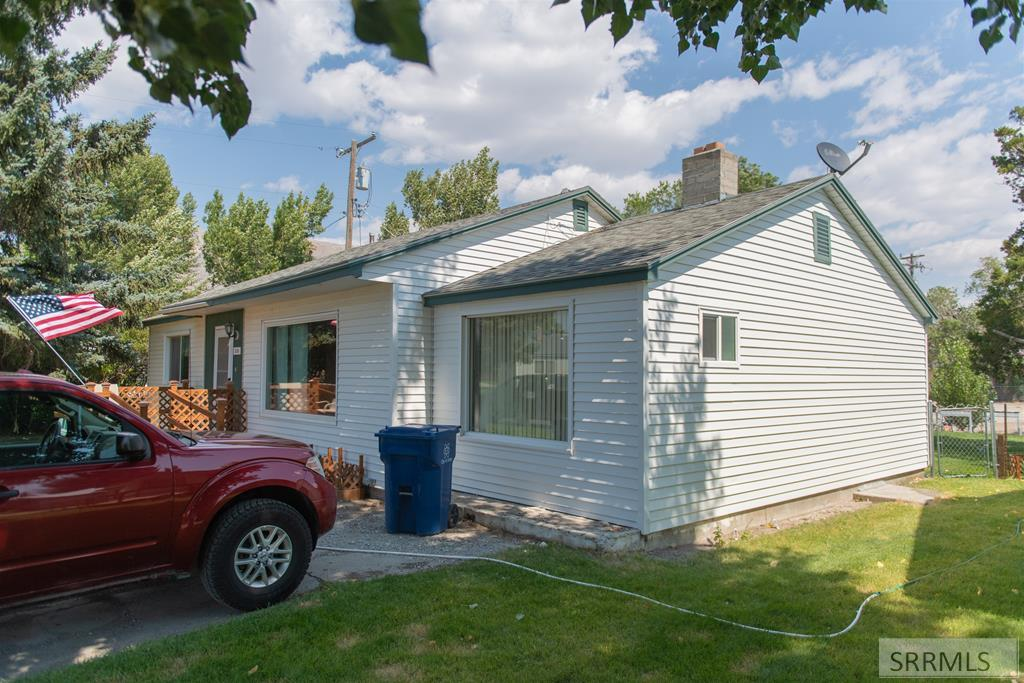 238 Louise Drive Property Photo