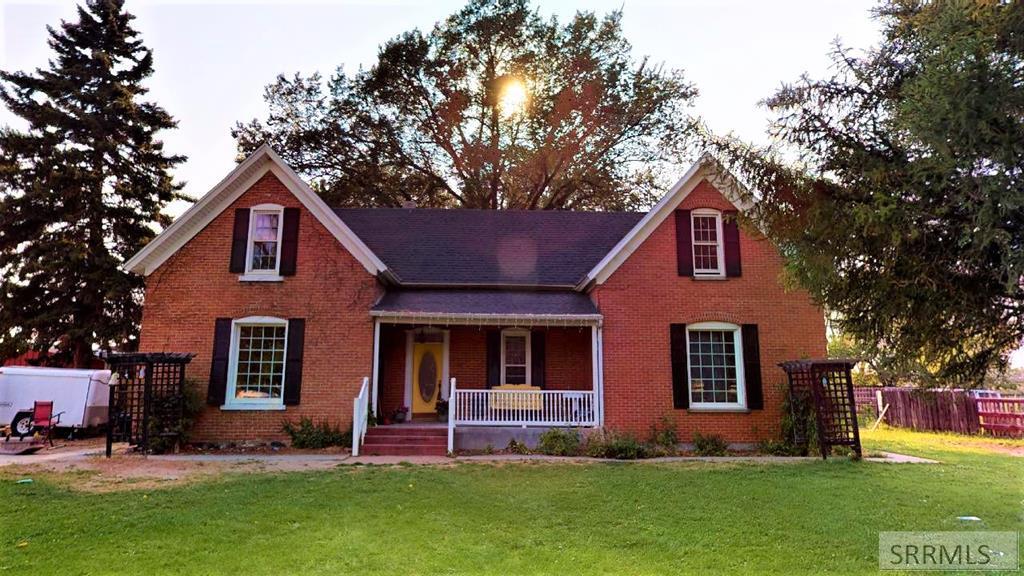 404 Riverton Road Property Photo