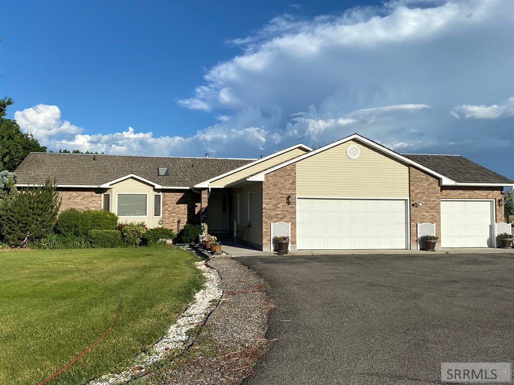 4164 E 550 N Property Photo