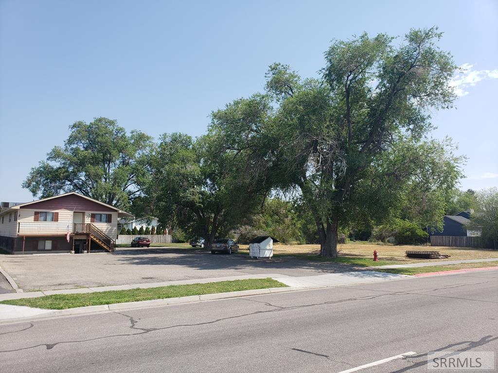 336, 354 W Main Street Property Photo