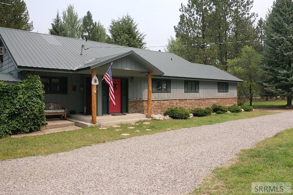8 Granite Mountain Road Property Photo 1