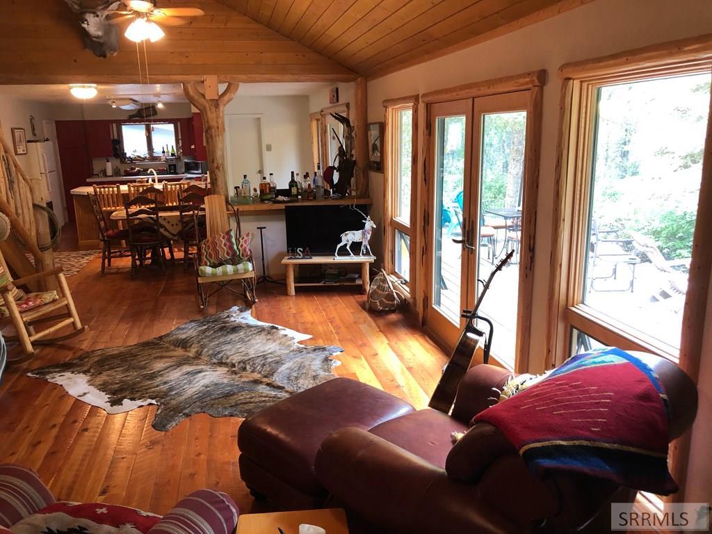 8 Granite Mountain Road Property Photo 10