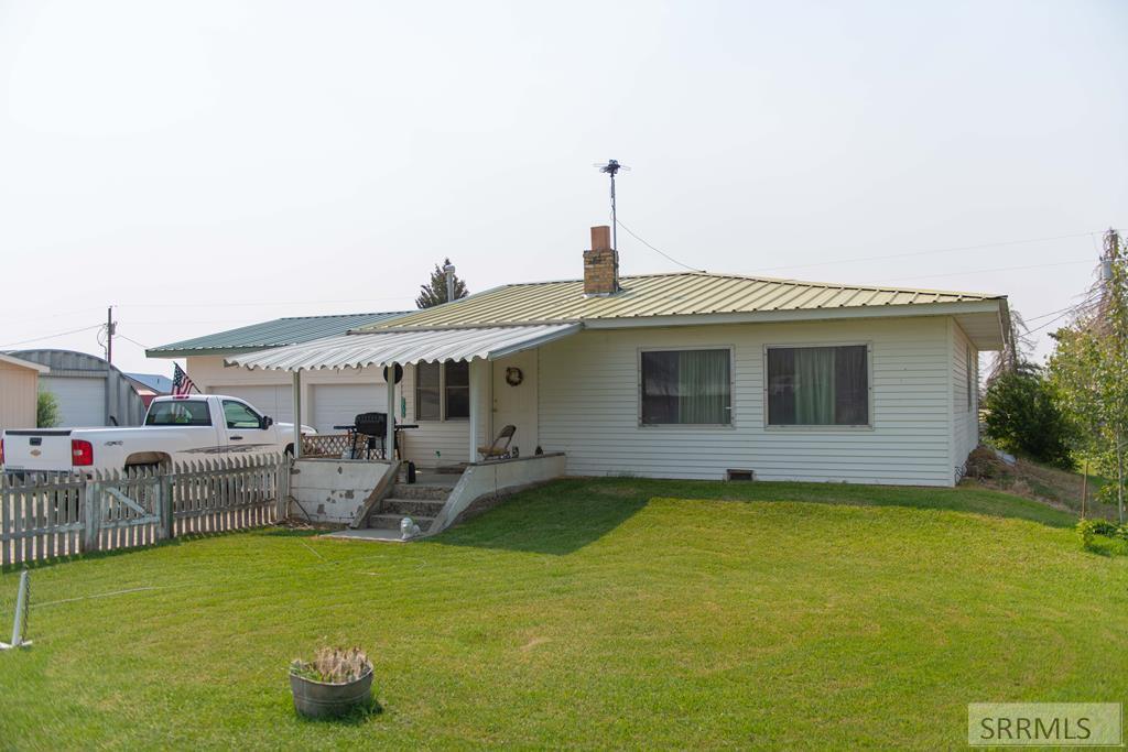 2733 Birch Street Property Photo