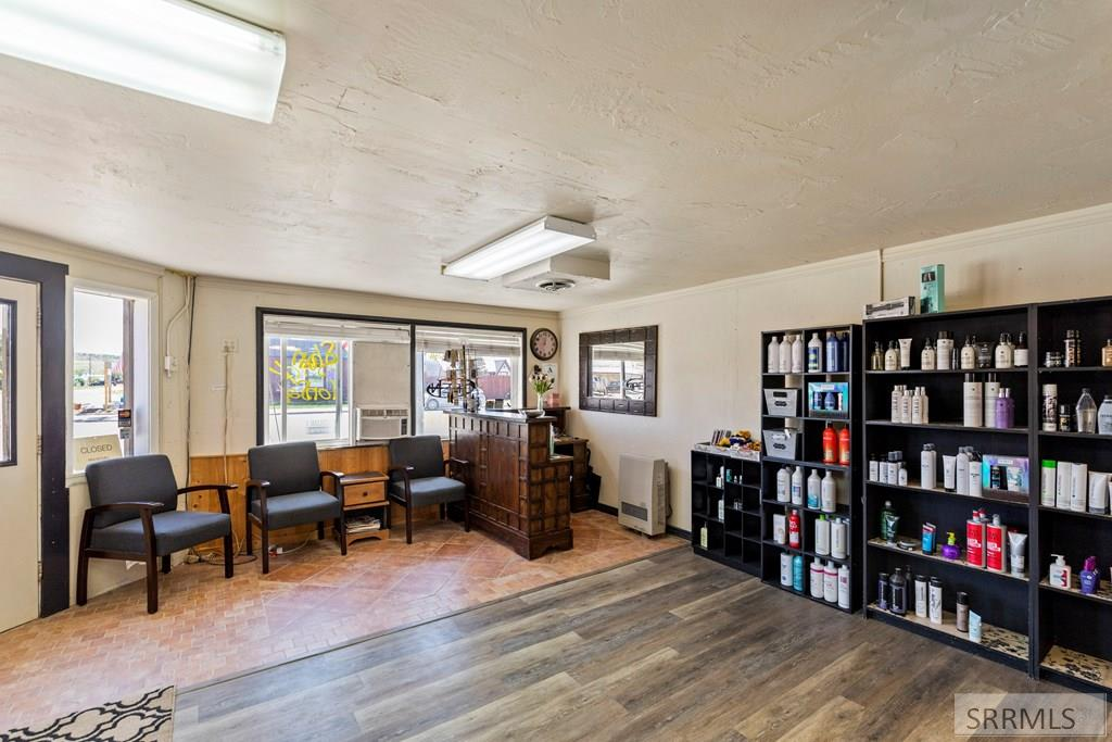 3031 Central Avenue Property Photo 7