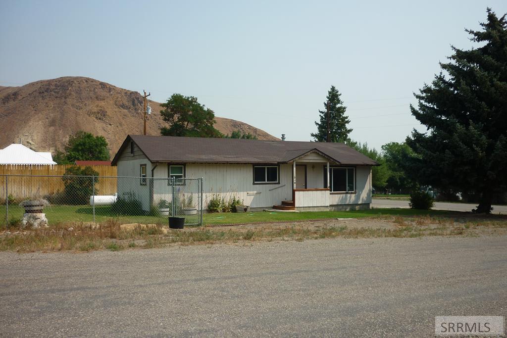 240 E Valley Avenue Property Photo