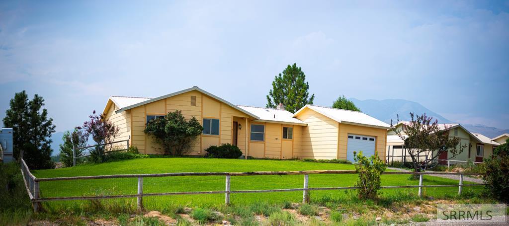 1131 Apex Lane Property Photo 1