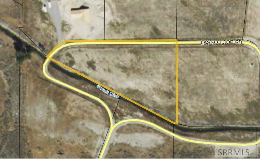 B2l1 Lasso Loop Road Property Photo