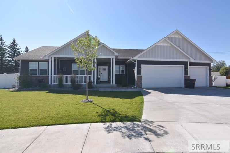 845 Boxwood Drive Property Photo