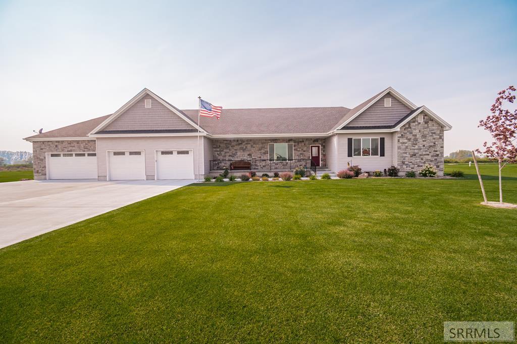 435 N 3826 E Property Photo