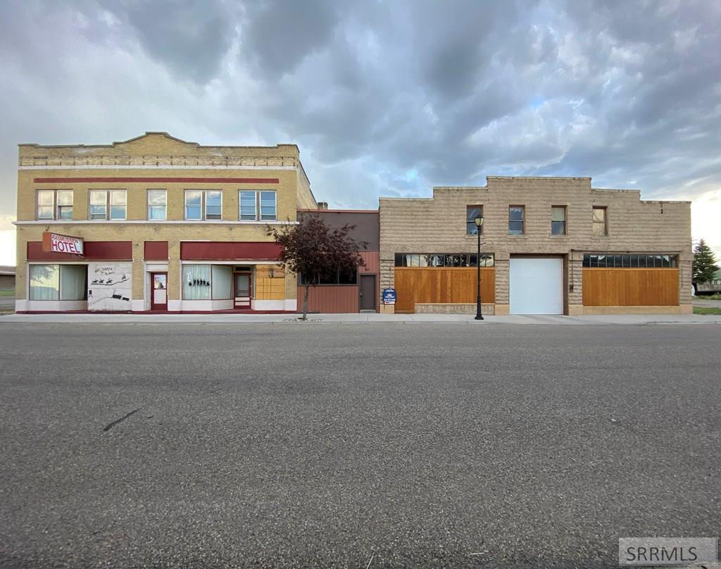 178 W Main Street Property Photo